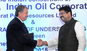 Four Oil Psus Sign Pacts To Raise Stake In Russian Oil Field