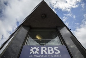 DBS to acquire RBS on shore branch for 1000 crores