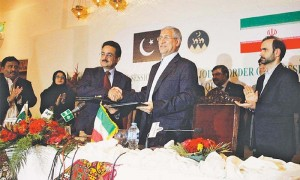 Iran & Pakistan sign agreements to boost security, trade