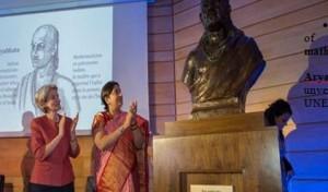 Bronze bust of Aryabhatta unveiled at UNESCO Headquarters