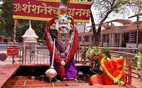 ShaniShingnapur temple allows women inside inner sanctum