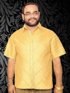 Guinness record for Maharashtra Man With 'Gold Shirt'