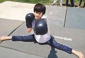 kashmiri-girl-wins-under-eight-world-kick-boxing-championshipm-for-india