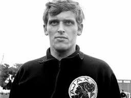 Former Dutch Football Player Piet Keizer Dies at 73