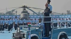 President Pranab Mukherjee Confers Standard & Colours Award to 125 Helicopter Squadron and MIT