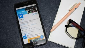 Twitter introduces customizable Direct Message Card for businesses
