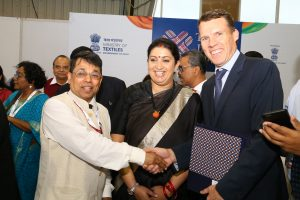65 MoUs signed at Textiles India 2017 in the presence of Union Textiles Minister Smt. Smriti Zubin Irani