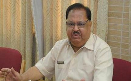 Ex-Karnataka minister Qamarul Islam passes away