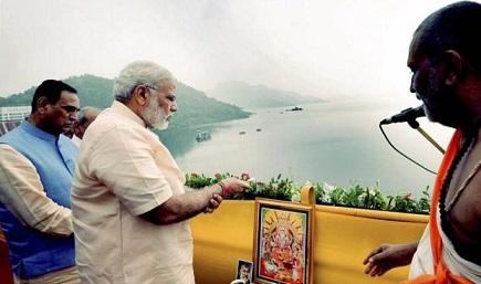 PM Modi dedicates Sardar Sarovar Narmada Dam to the Nation