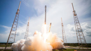 SpaceX launches 10 satellites for Iridium mobile network