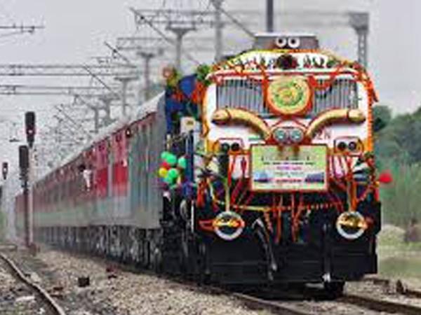 Eastern Railways presses first Swarna Rajdhani rake