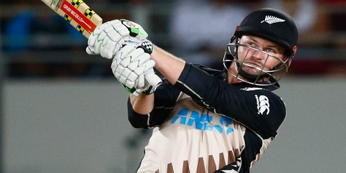 Colin Munro becomes first to score three T20 centuries