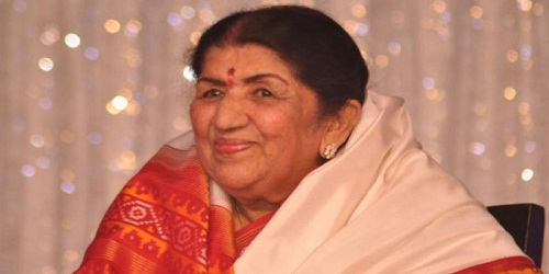 Lata Mangeshkar conferred with Swara Mauli award