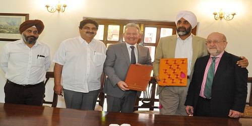 Punjab Signs MoU with UK for Setting Up Bio-Gas, Bio CNG Plants