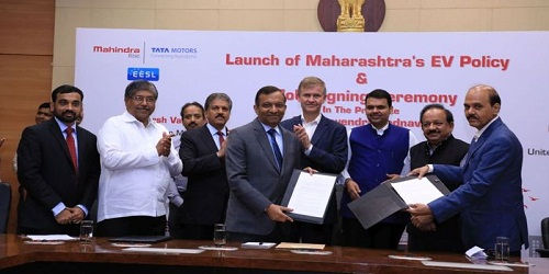 M&M signs two MoUs with Maharashtra government for 1000 EVs