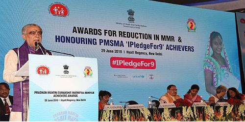 J P Nadda gives away the Pradhan Mantri Surakshit Matritva Abhiyan (PMSMA) 'IPledgefor9' Achievers and MMR Reduction Awards