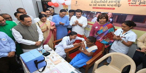 Vaccination drive against measles-rubella launched by Gujarat govt with Rs.300 crore help from Centre