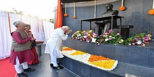 PM unveiled a statue of Dr. Vikram Sarabhai