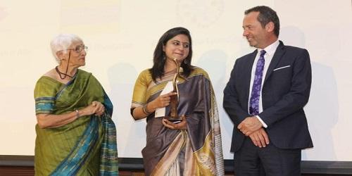 Manu Gulati - Martha Farrell Award 2019