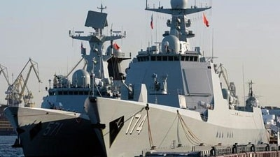 Chinese Navy launches two Type 052D