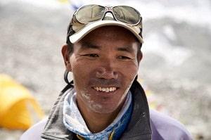 Nepali Sherpa Kami Rita climbs