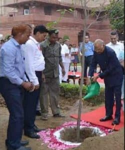 Indian President launches plantation drive in New Delhi